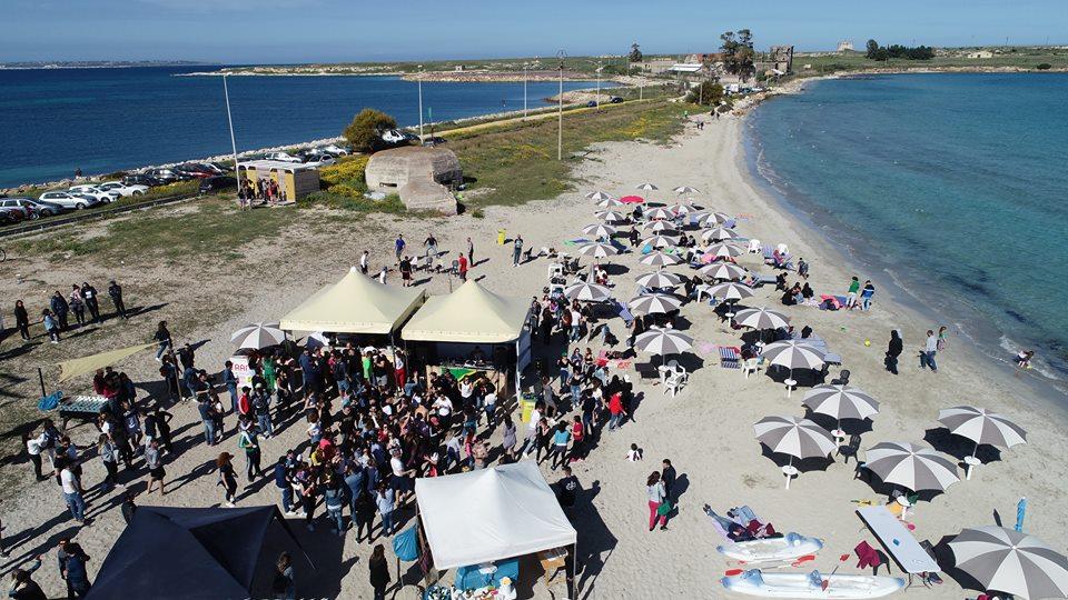 Pasquetta di solidariet ieri a marina di priolo la gente ha affollato bagno 64 marina beach - Bagno il lido marina di grosseto ...